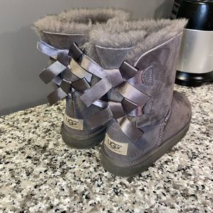 Girls UGG boots size 2. #3280K